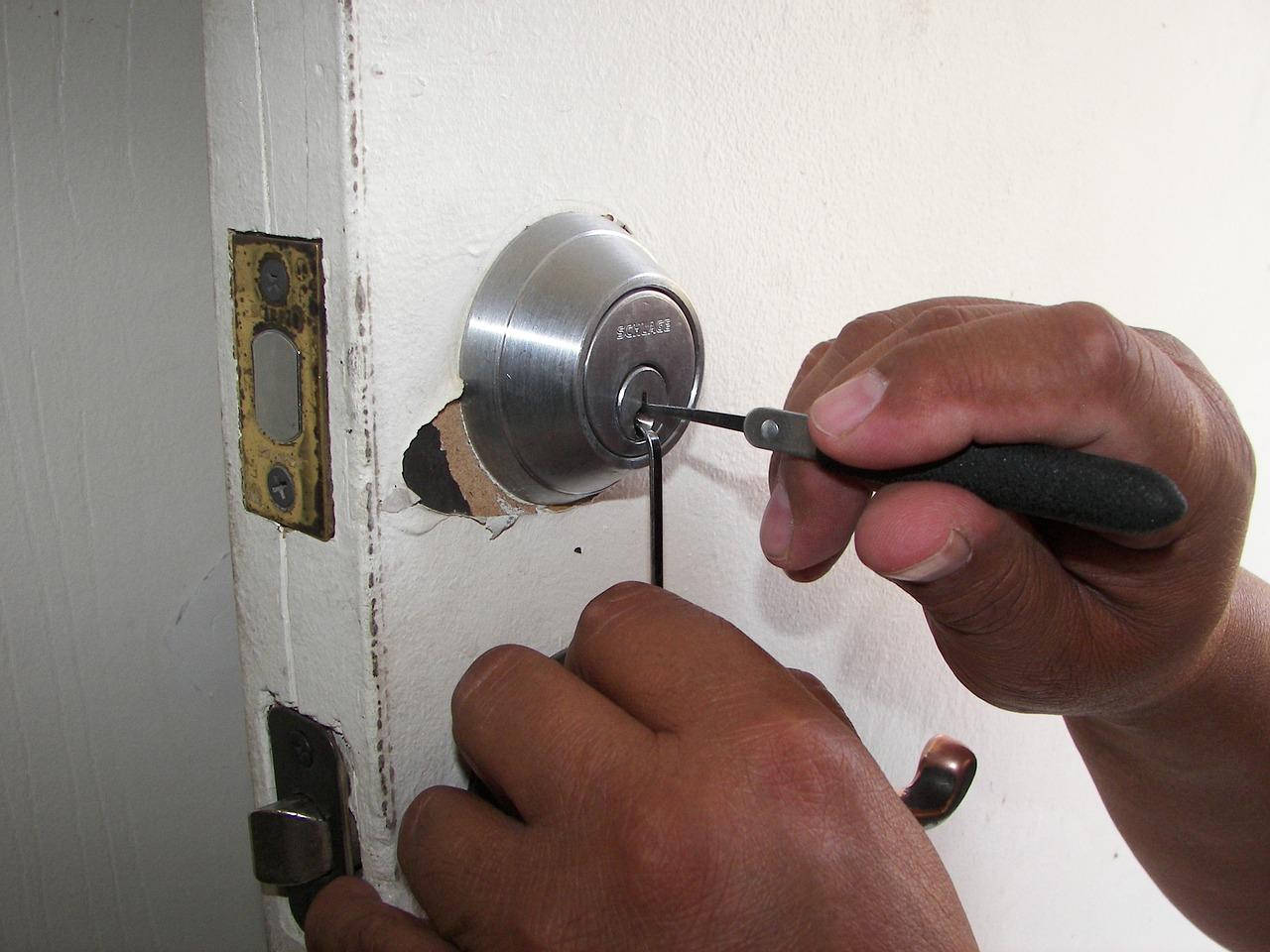 Pourquoi faire ouvrir sa porte par un serrurier ?
